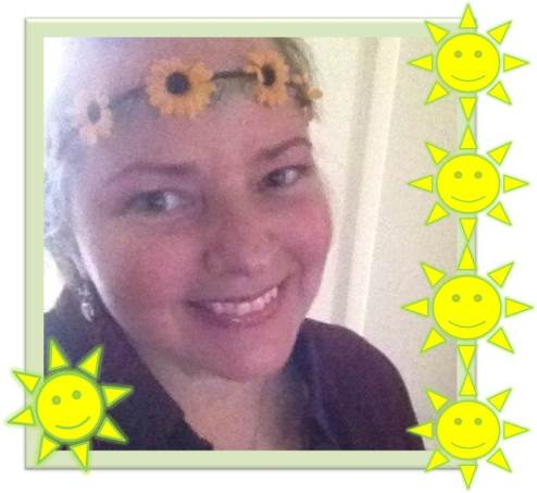 amanda-sunflower-smiling